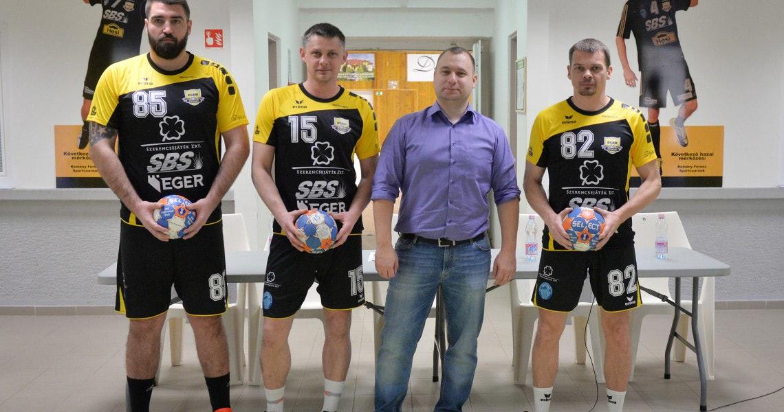 Antl, Petro és Radcsenko érkezett