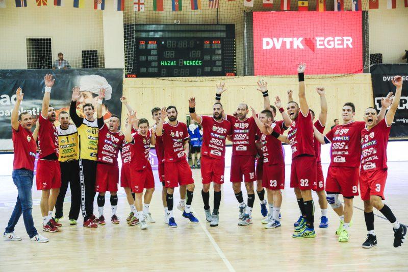 Óriási küzdelemben 25-25-ös döntetlent játszott a DVTK-Eger a tavalyi  bronzérmes Grundfos Tatabánya KC ellen. A két csapat korábbi összecsapásai  során ... b3e74d1357